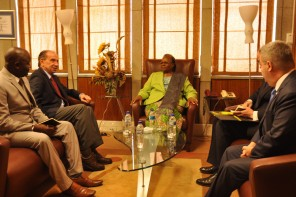 34411505361_34691a99a1_b bela foto da minsitra das relações internacionais da namibia